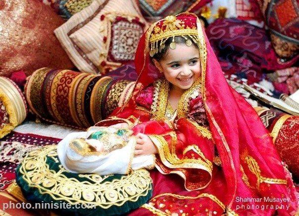 عکس با لباس سنتی تورکی آزربایجانی  دختر