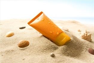 برخی کرم های ضد آفتاب خطر ناباروری در زنان را افزایش می دهد