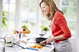 تغذیه سالم مادر، موثر در ژنتیک فرزندان