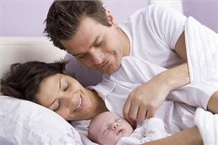 درددلهای مامان/ جدایی شبانه از همسر به خاطر بدخواب شدن نینی