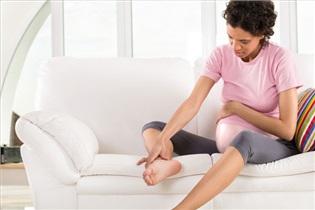 بایدها و نبایدهای پیشگیری از گرفتگی عضلات پا در بارداری