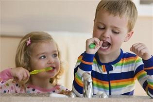 بوی بد دهان کودکان نشانه چیست؟
