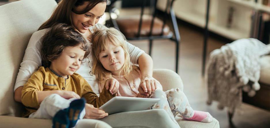 فواید جالب شعر خواندن برای بچهها