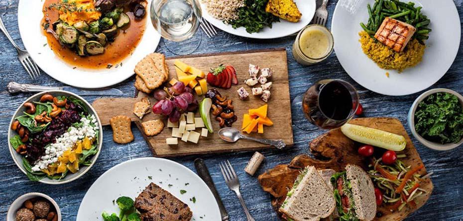 خوردن غذای بیرون در بارداری؛چه نکاتی را رعایت کنم؟