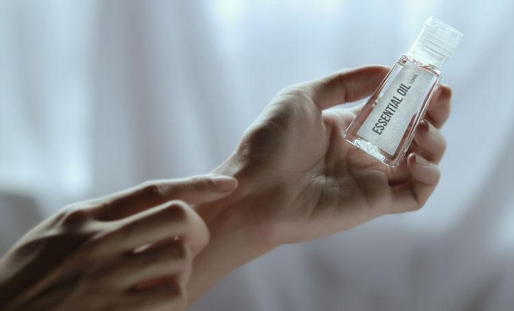 استفاده از روغن های طبیعی برای رفع خشکی پوست در بارداری