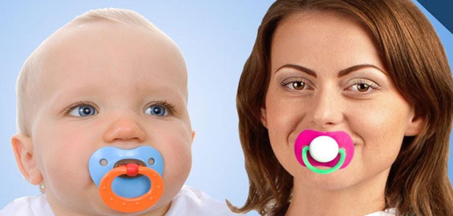 مکیدن پستانک نوزاد توسط مادر بهداشتی است؟