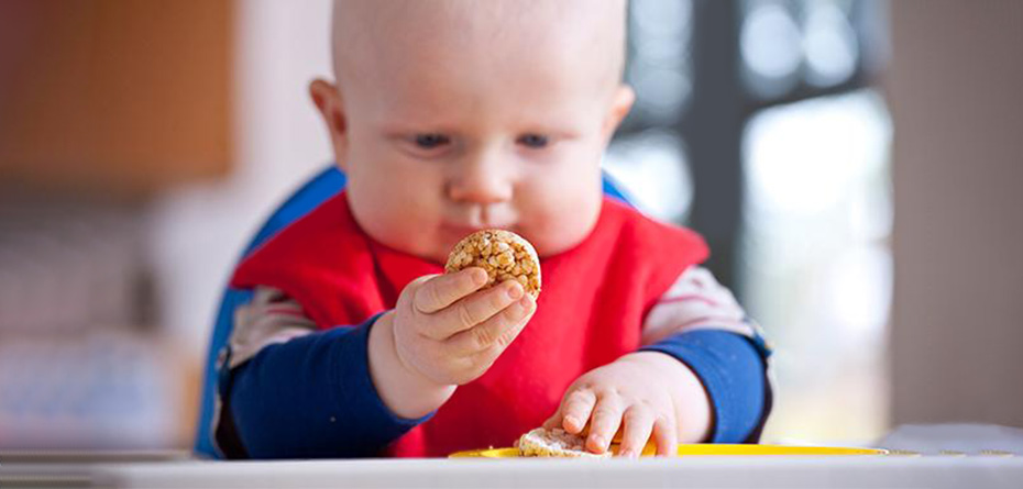 غذاهایی که نباید به کودک زیر یکسال بدهیم