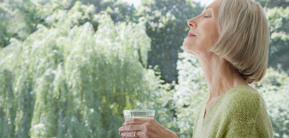 لاغری آسان با نوشیدن آب خنک