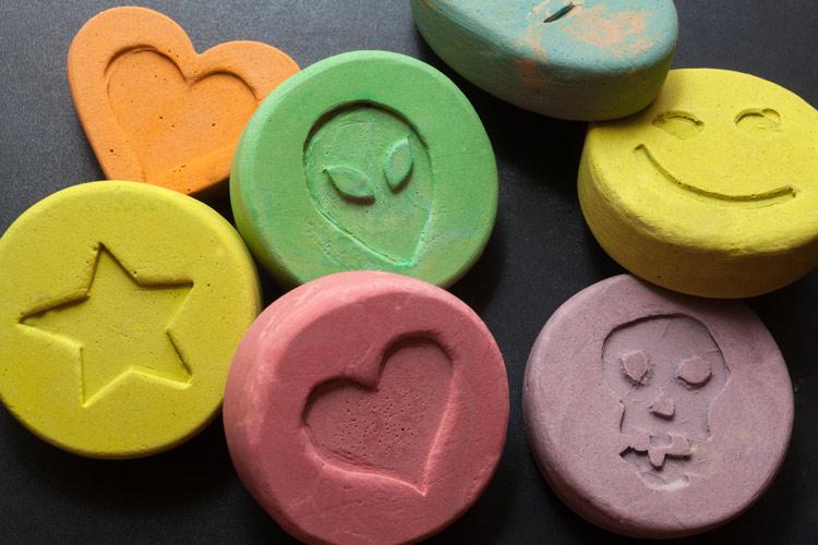 شاید خیلیها قرصهای اکس را در ردیف مواد مخدر قرار ندهند، اما محققان معتقدند استفاده این قرصها هم عوارض زیادی در دوران بارداری دارد