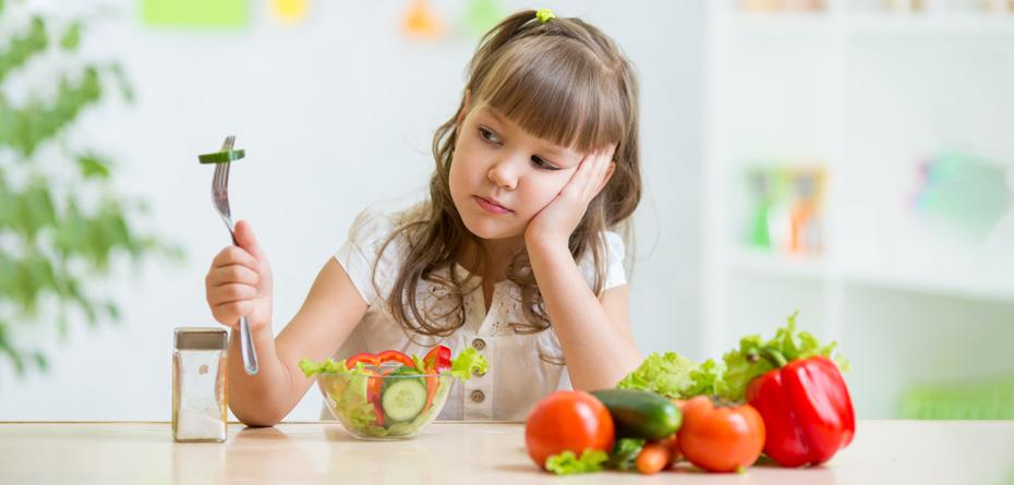 10 باور اشتباه والدین در مورد غذا دادن به بچه ها