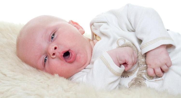 سرفه نوزاد و تب در نوزادان