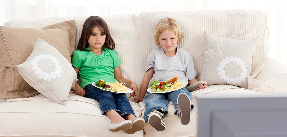 بالاخره تماشای تلویزیون برای بچهها خوب هست یا نه؟